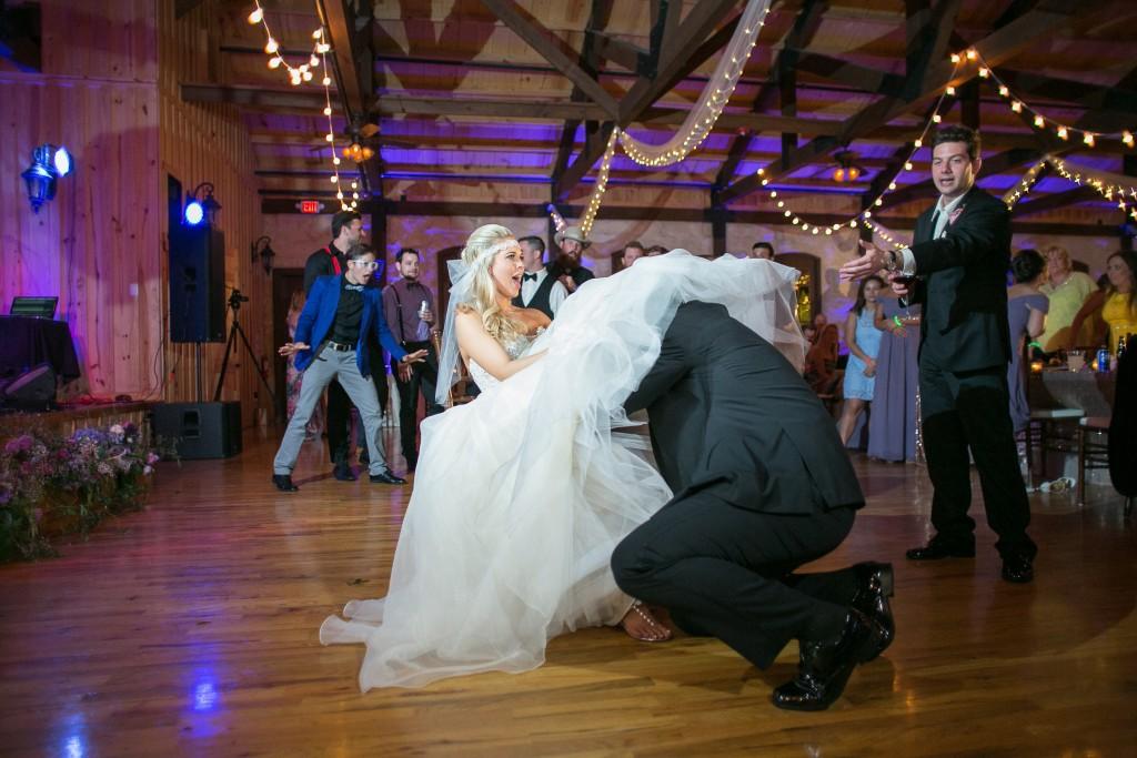 Texas Wedding: Julie Paisley Photography : Aaryn Williams : Pink Parasol Designs and Coordinating : Austin Wedding Planner